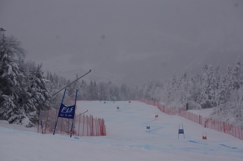 Training on Skylark, trail skiers right of race venue